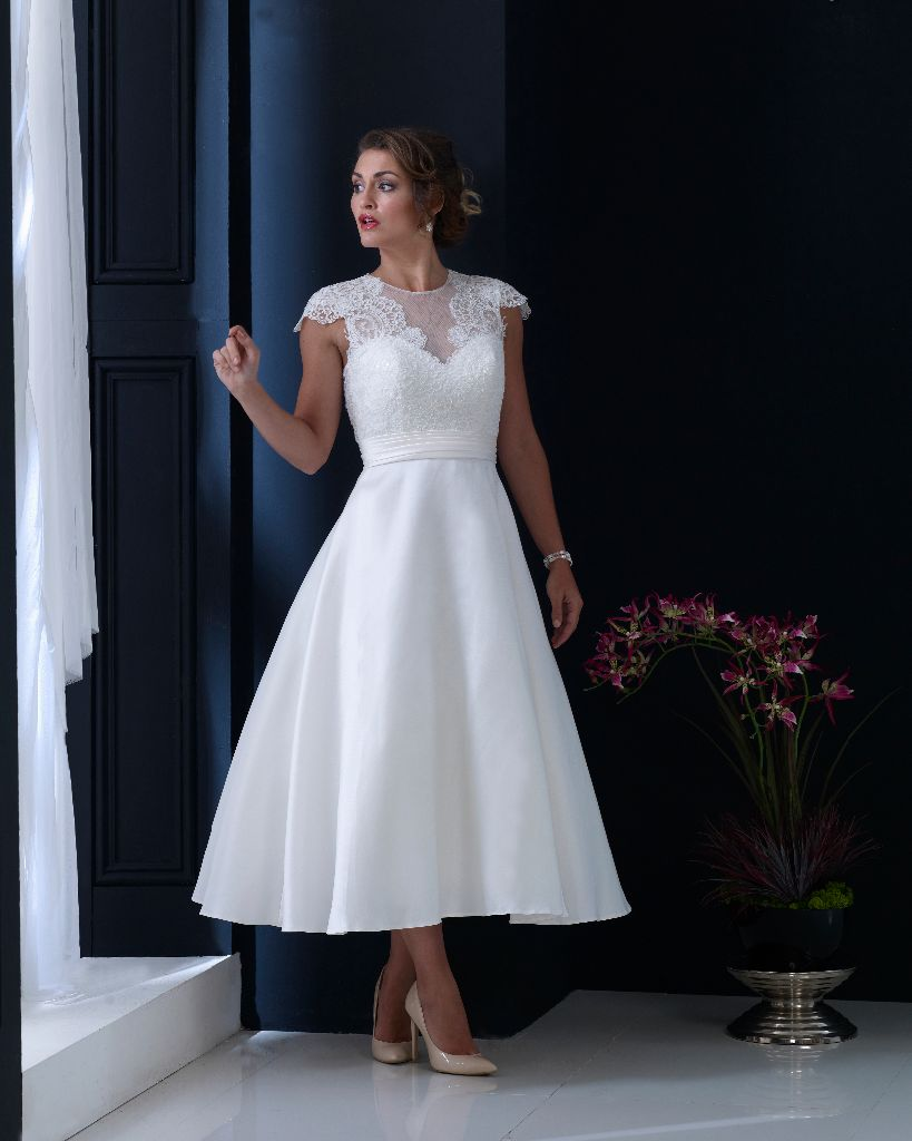 Plus Size Wedding Dresses West Midlands : Home the bridal gallery