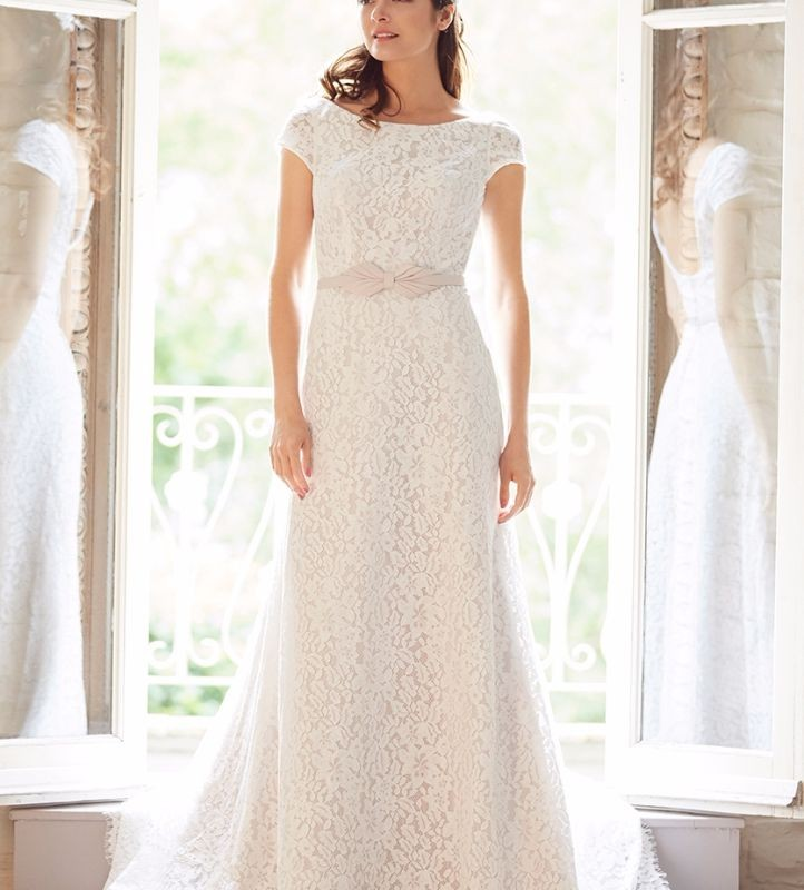 Elegant, lace, chiffon & satin gowns
